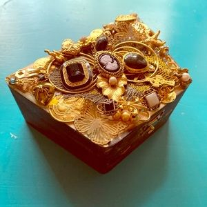 Embellished Knick-knack wooden jewelry box